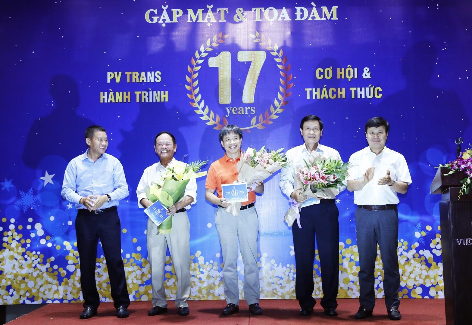 """PVTrans tổ chức buổi gặp mặt và tọa đàm """"PVTrans hành trình 17 năm cơ hội và thách thức"""""""